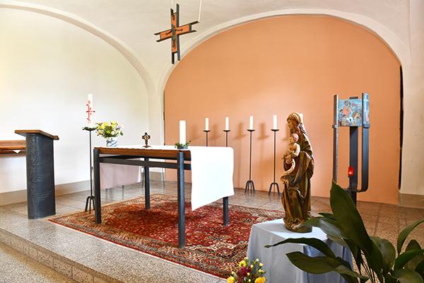 "Kapelle ""St. Theresia von Lisieux"" im Pater-Kolbe-Hof Schlegel"