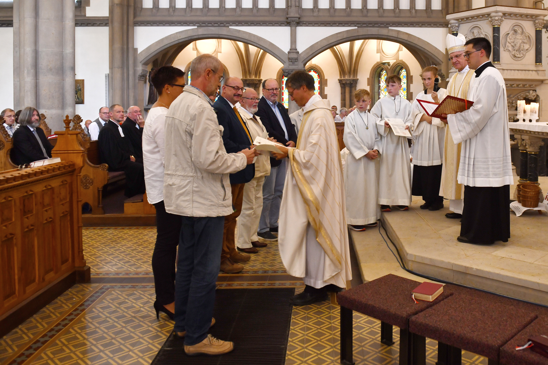 Pfarreigründung - Berufung der Gottesdienstbauftragte und der Diakonatshelfer