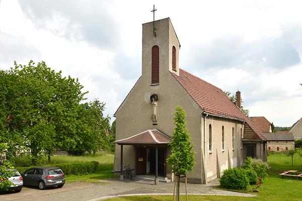 """Kath. Kirche """"Konrad von Parzham"""" in Hirschfelde"""