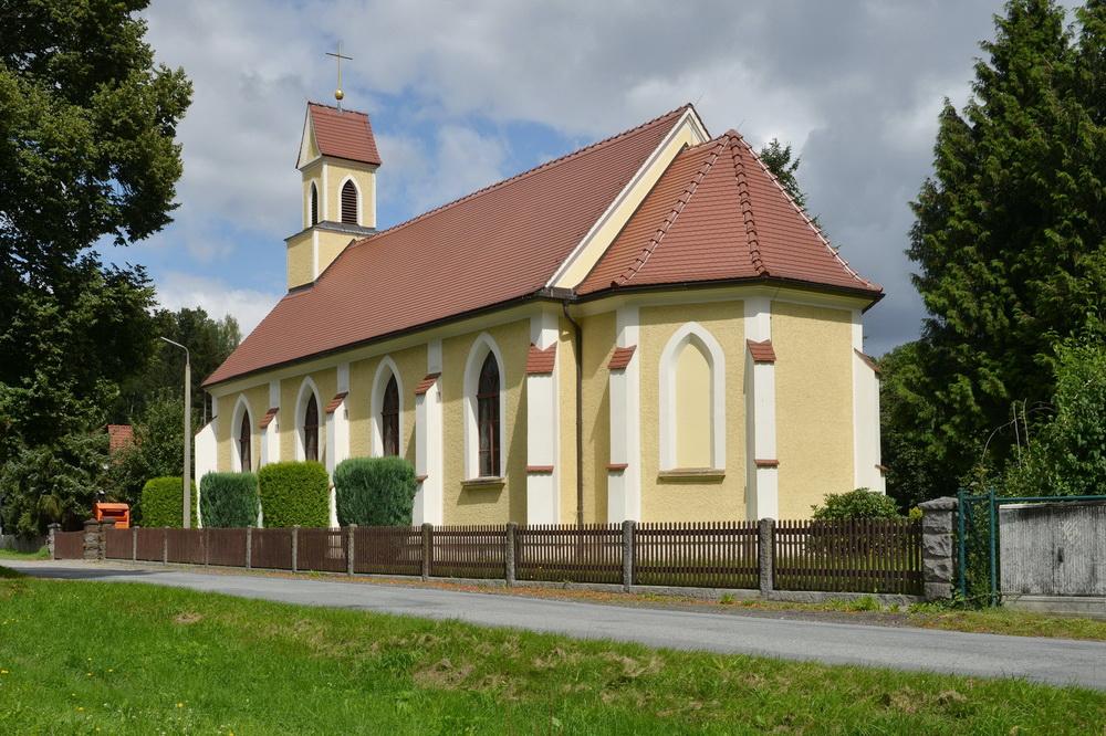 Kirche Bernstadt Außenansicht