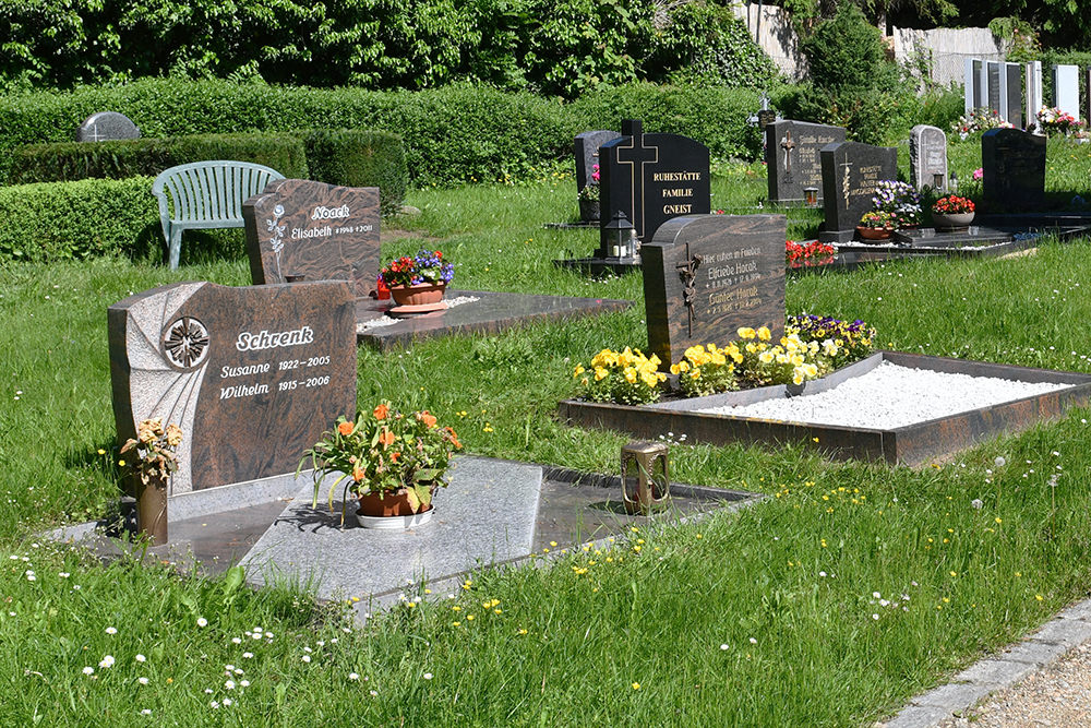 Kath. Friedhof Löbau - Einzelgräber