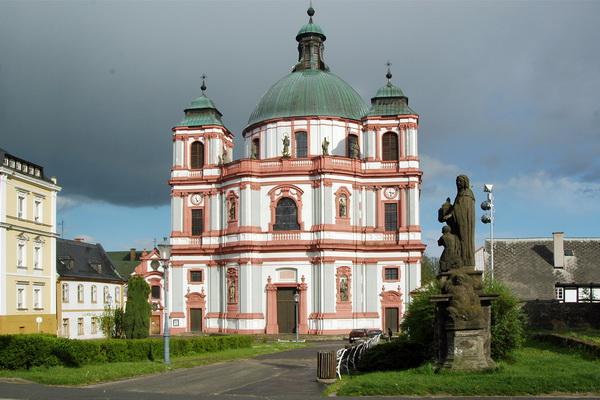 Basilika des hl. Laurentius und der hl. Zdislava in Deutsch Gabel/Jablonné v Podještědí